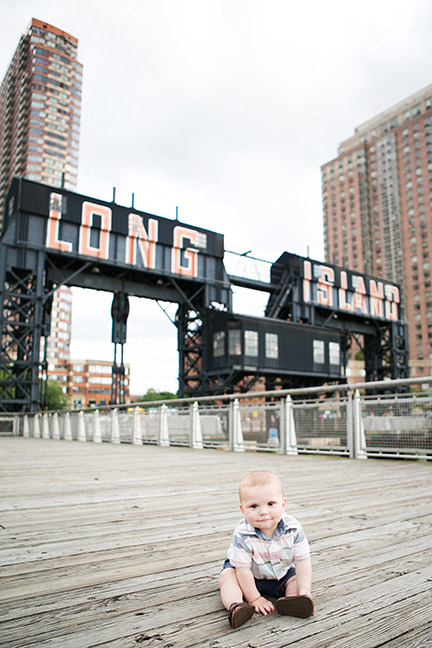 Toddler family photography in Gantry Park